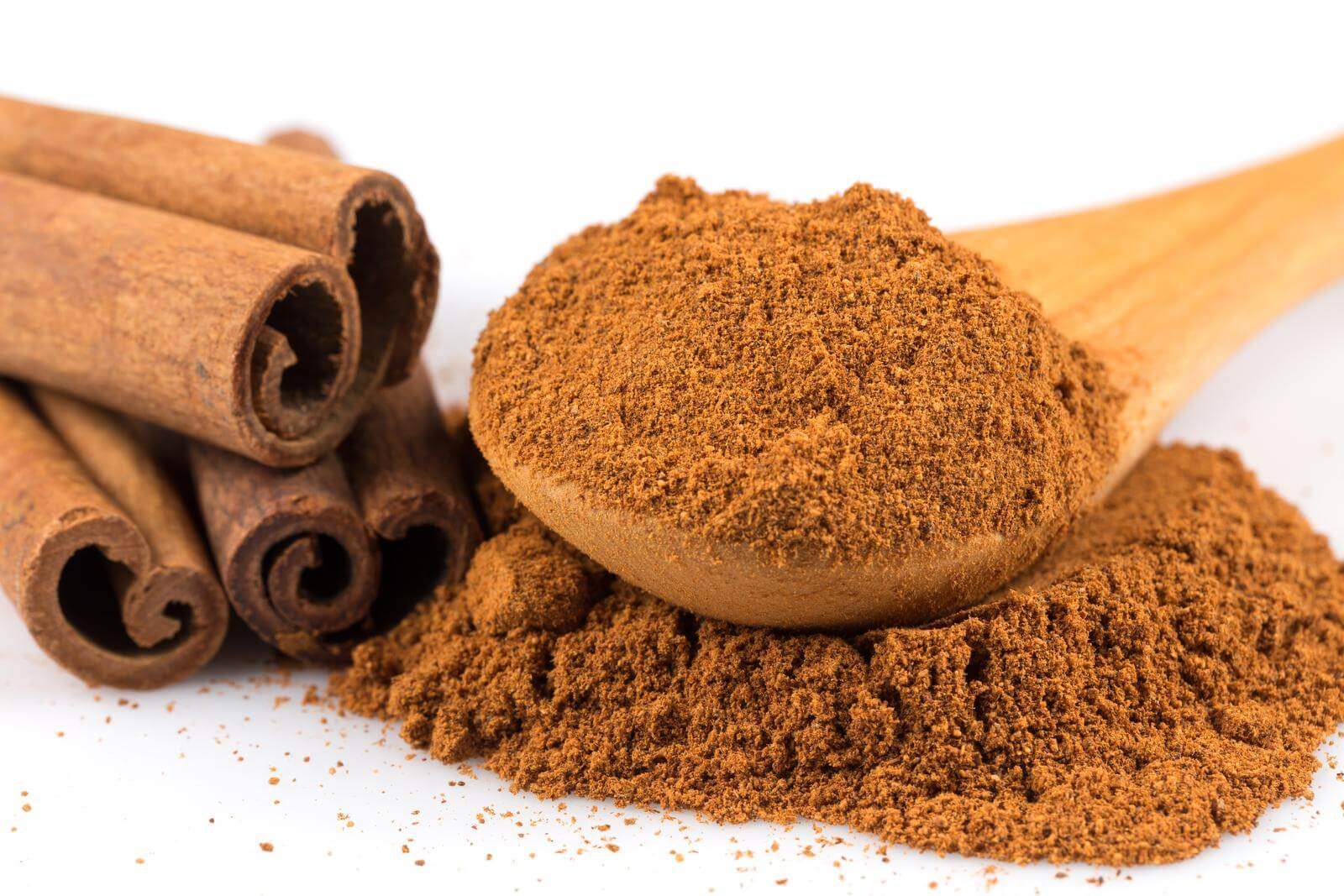 Cinnamon bark powder and cinnamon sticks can both be used to create natural remedies.  Often, cinnamon is used to make a tea; and you can also make a strong decoction with these items.