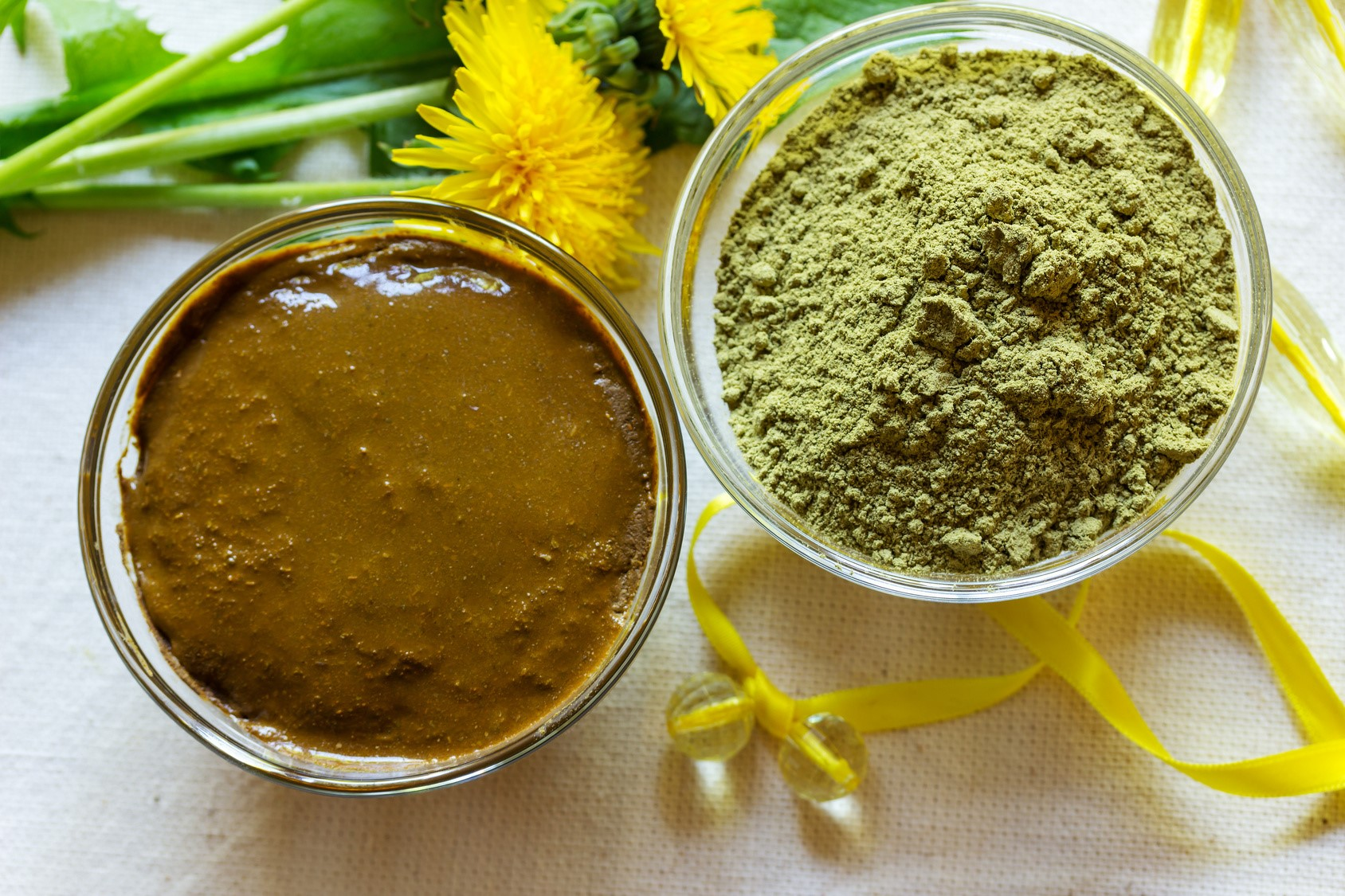 This photo is of henna paste and henna powder.  Henna, known as Lasownia inermis, is a cable Candida cure that you can use at home.  Henna is also a popular dye; so be careful not to stain anything while you use it to combat a yeast infection!